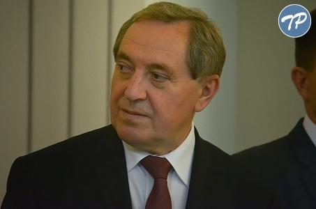 Minister Środowiska zapowiada kontrolę budowy zamku w Puszczy Noteckiej .