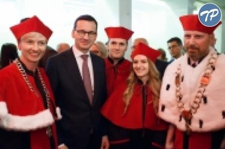 Premier na uroczystym spotkaniu rektorów szkół polskich i środowiska akademickiego.